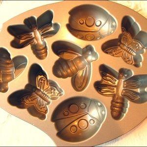 Other - Nordic Ware nordicware Backyard Bugs bundt cake